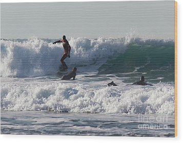 Surfers At Porthtowan Cornwall Wood Print by Brian Roscorla