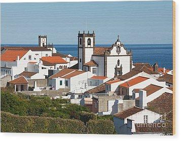 Town By The Sea Wood Print by Gaspar Avila