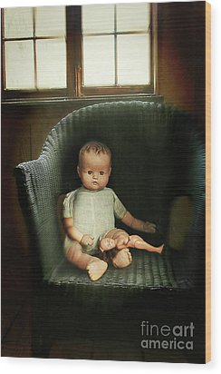Vintage Dolls On Chair In Dark Room Wood Print by Sandra Cunningham