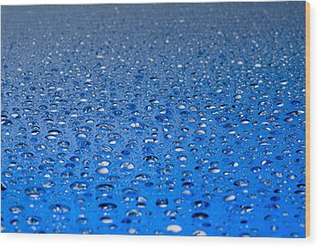 Wood Print featuring the photograph Water Drops On A Shiny Surface by Ulrich Schade
