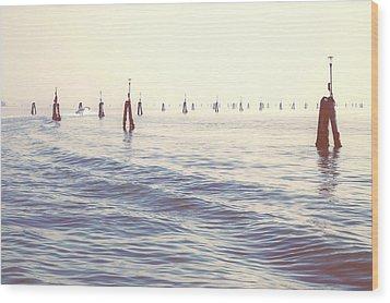 Waterway In The Lagoon Of Venice Wood Print by Joana Kruse