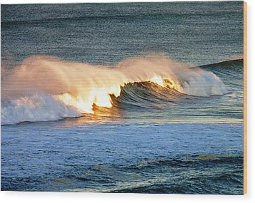 Wave At Sunrise Wood Print by Werner Lehmann