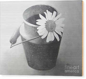 White Daisy Wood Print by Muna Abdurrahman