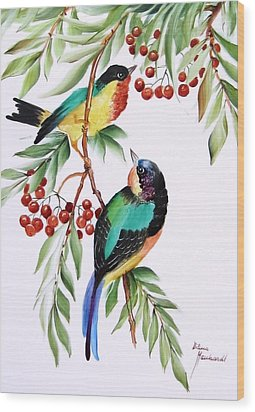 1152 Little Birds And Berries Wood Print by Wilma Manhardt