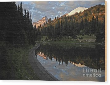 #12-4 Sunrise Mt Rainier Wood Print