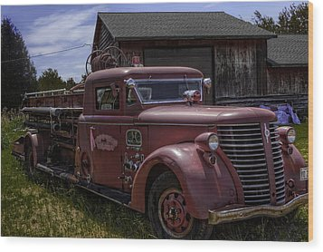Wood Print featuring the photograph 1939 American Lafrance Foamite by Tom Gort