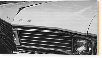 1967 Buick Station Wagon Wood Print by Michelle Calkins