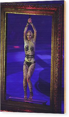 Britney Spears On Stage For The Circus Wood Print by Everett