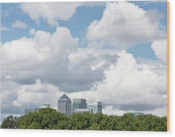 Canary Wharf Wood Print by Richard Newstead