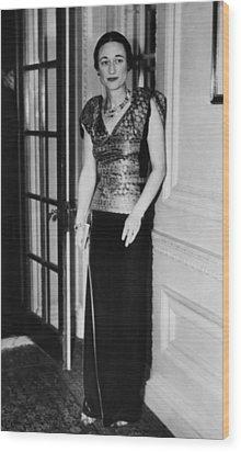 Future Duchess Of Windsor Wallis Wood Print by Everett