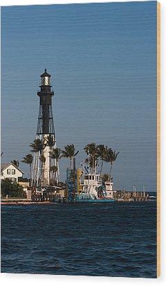 Hillsboro Inlet Lighthouse Wood Print by Ed Gleichman