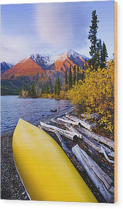 Kathleen Lake And Mountains, Kluane Wood Print by Yves Marcoux