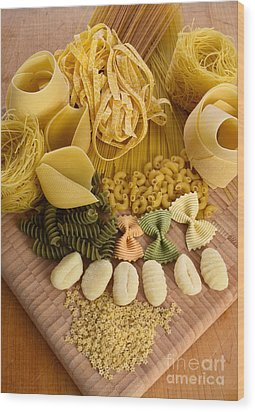 Pasta Wood Print by Photo Researchers, Inc.