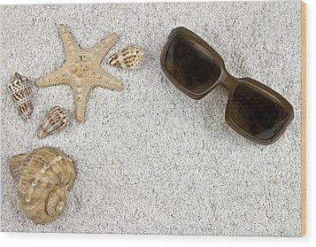 Seastar And Shells Wood Print by Joana Kruse