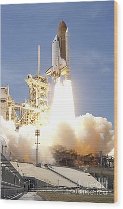 Space Shuttle Atlantis Twin Solid Wood Print by Stocktrek Images
