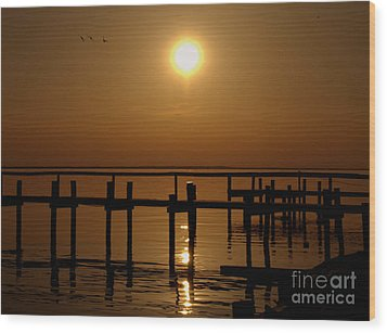 Sunset At Cobb Island Wood Print