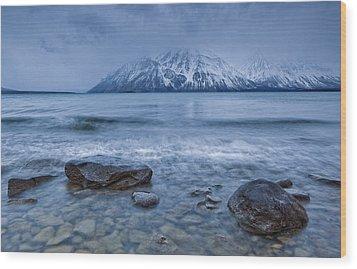 The Shoreline Of Kathleen Lake In Late Wood Print by Robert Postma