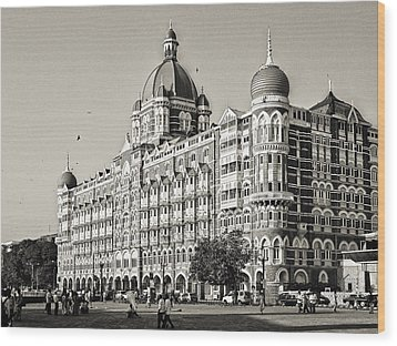 The Taj Mahal Palace Hotel Wood Print by Benjamin Matthijs