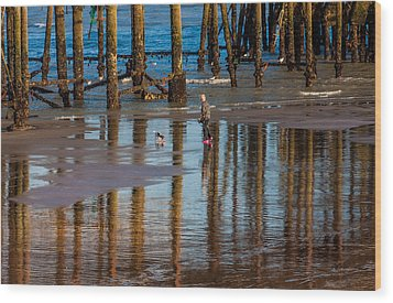 Hastings Pier Wood Print by Dawn OConnor
