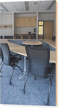 Empty Boardroom Or Meeting Room In An Wood Print by Marlene Ford