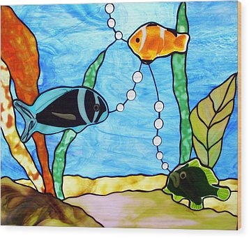 3 Fishes In The Sea Wood Print by Jane Croteau