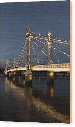 The Albert Bridge London Wood Print by David Pyatt