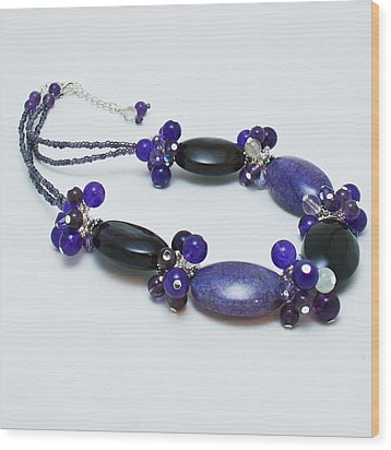 3598 Purple Cracked Agate Necklace Wood Print by Teresa Mucha