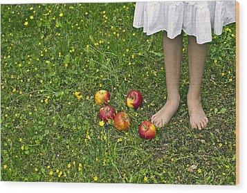 Apples Wood Print by Joana Kruse