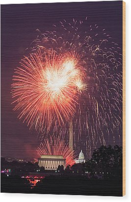 Fireworks Over Washington Dc On July 4th Wood Print by Steven Heap