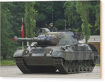 The Leopard 1a5 Mbt Of The Belgian Army Wood Print by Luc De Jaeger