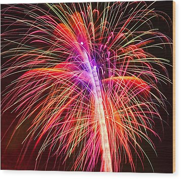 4th Of July - Independence Day Fireworks Wood Print by Gordon Dean II