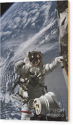 Astronaut Participates Wood Print by Stocktrek Images