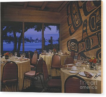 Restaurant Wood Print by Robert Pisano