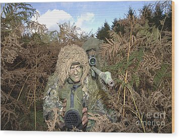 A British Army Sniper Team Dressed Wood Print by Andrew Chittock