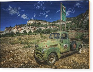 A Chevy And Checkerboard Mesa Wood Print by Christine Annas