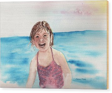 A Day At The Beach Makes Everyone Smile Wood Print by Sharon Mick