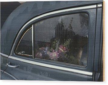 A Floral Arrangement Seen Wood Print by Sam Abell