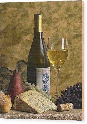 A Glass Of Chardonay Wood Print by Mel Felix