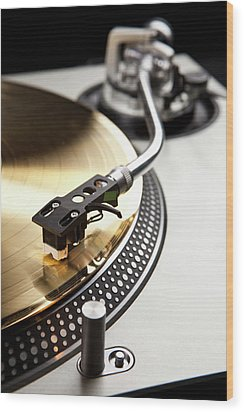 A Gold Record On A Turntable Wood Print by Caspar Benson