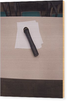 A Microphone On The Lectern Of A Presentation Room Wood Print by Ashish Agarwal
