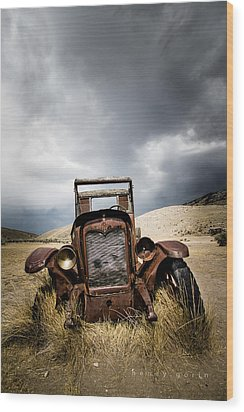 A Old Time Car Wood Print by Henny Gorin