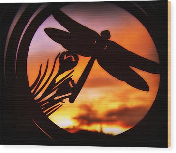 A Peaceful Dragonfly Sunset Wood Print by Cindy Wright