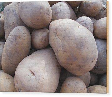 A Pile Of Large Lumpy Raw Potatoes Wood Print by Ashish Agarwal