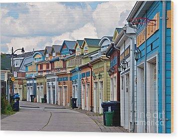 A Pretty Street In The Beach Wood Print