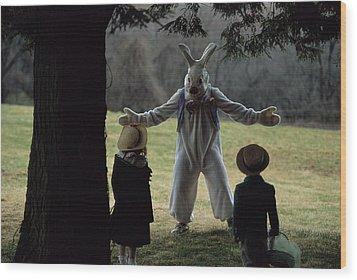 A Rabbit Meets Two Children During An Wood Print by Joel Sartore