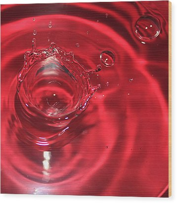 A Red Splash Of Water Wood Print