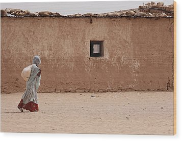 A Refugee From Western Sahara Leaves Wood Print by Steve Raymer