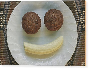 A Smiling Breakfast Of Muffins Wood Print by Marc Moritsch