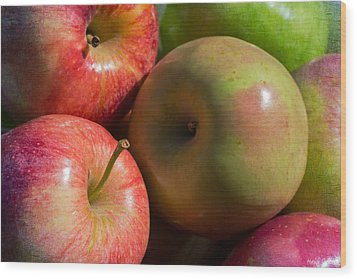 A Variety Of Apples Wood Print by Heidi Smith
