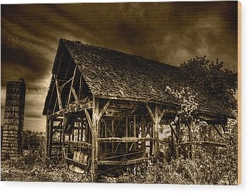 Abandoned And Forgotten Wood Print by Rylan Beer